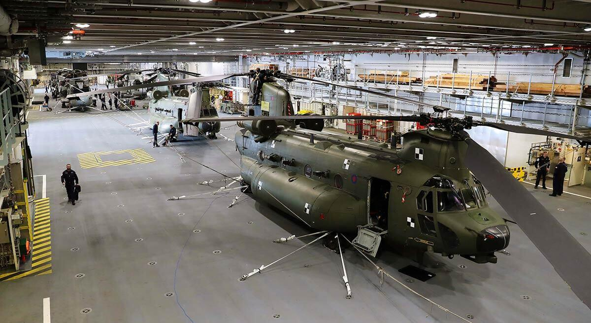 4 Merlins and 2 Chinooks in the hangar